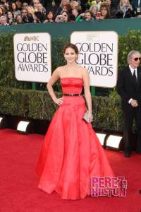 golden-globes-2013-jennifer-lawrence-red-carpet-3